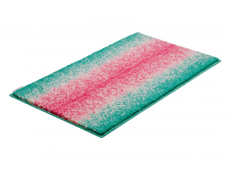 Bathroom rugs dolomiti turquoise pink grund for Turquoise and pink bathroom